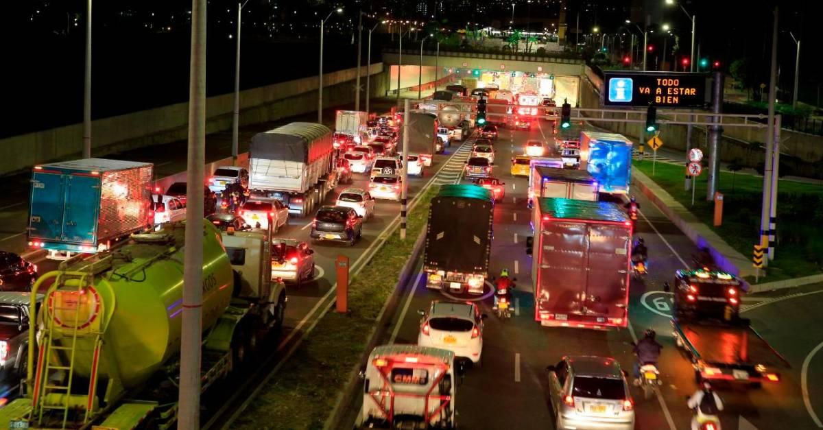 Medellín colapsó antes del toque de queda y la cuarentena