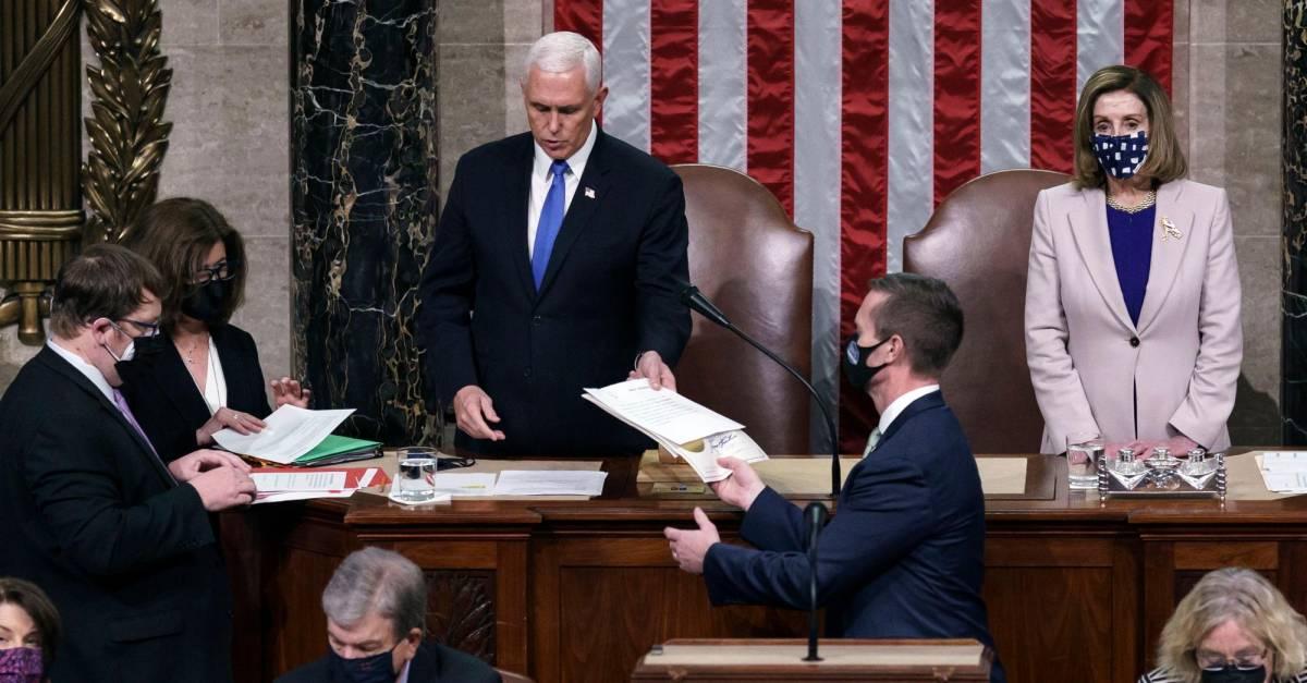 Congreso de Estados Unidos certifica triunfo de Biden; Trump acepta la transición