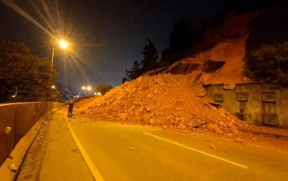 Al parecer el arreglo de la parte afectada no depende de una concesión vial, sino del municipio de Copacabana. <b>FOTO: CORTESÍA POLICÍA DE TRÁNSITO.</b>