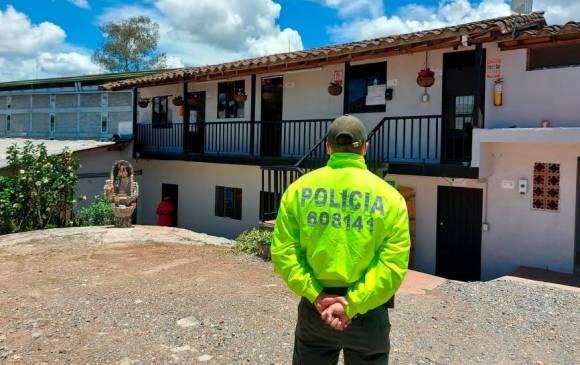 Entre los bienes que pasaron a la SAE están inmuebles ubicados en varios municipios de Antioquia, además de varios automóviles. FOTOS FISCALÍA Y POLICÍA