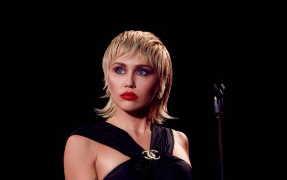 La más reciente producción de Miley Cyrus, Plastic Hearts, incluyó covers de Blondie, Stevie Nicks y The Cranberries. FOTO cortesía Vijat Mohindra - RCA RECORDS