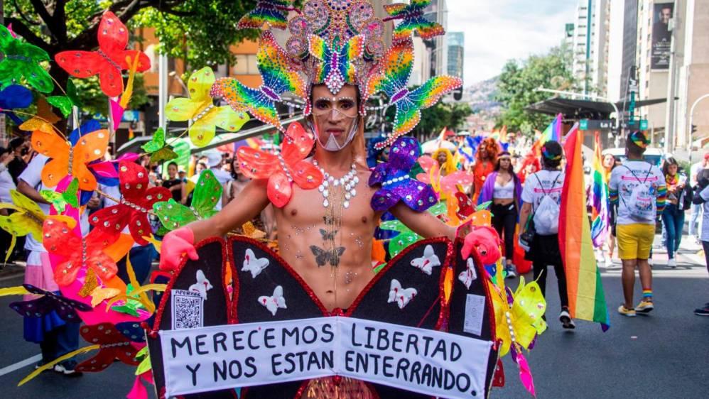 Comunidad LBGTI+ marchó por las calles de Medellín