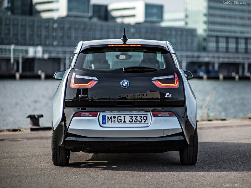 BMW-i3_2014_800x600_wallpaper_6a