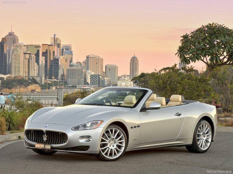 Maserati-GranCabrio_2011_800x600_wallpaper_02