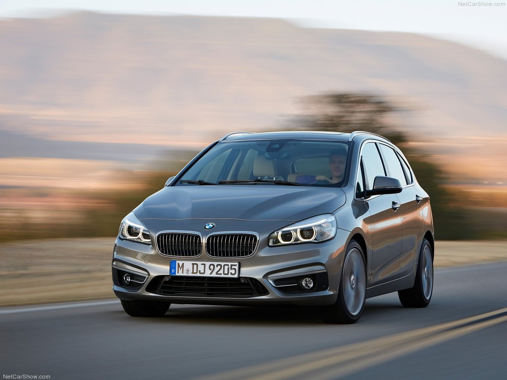 BMW-2-Series_Active_Tourer_2015_1024x768_wallpaper_05
