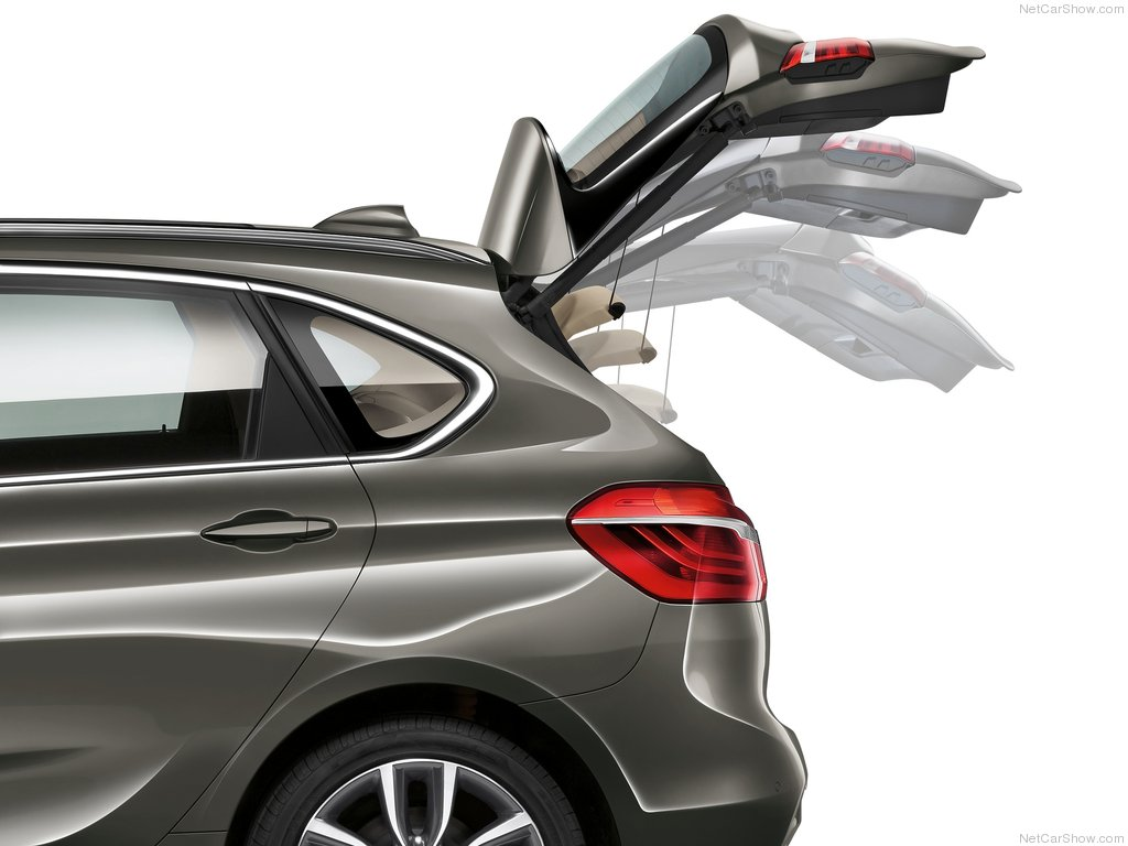 BMW-2-Series_Active_Tourer_2015_1024x768_wallpaper_ce
