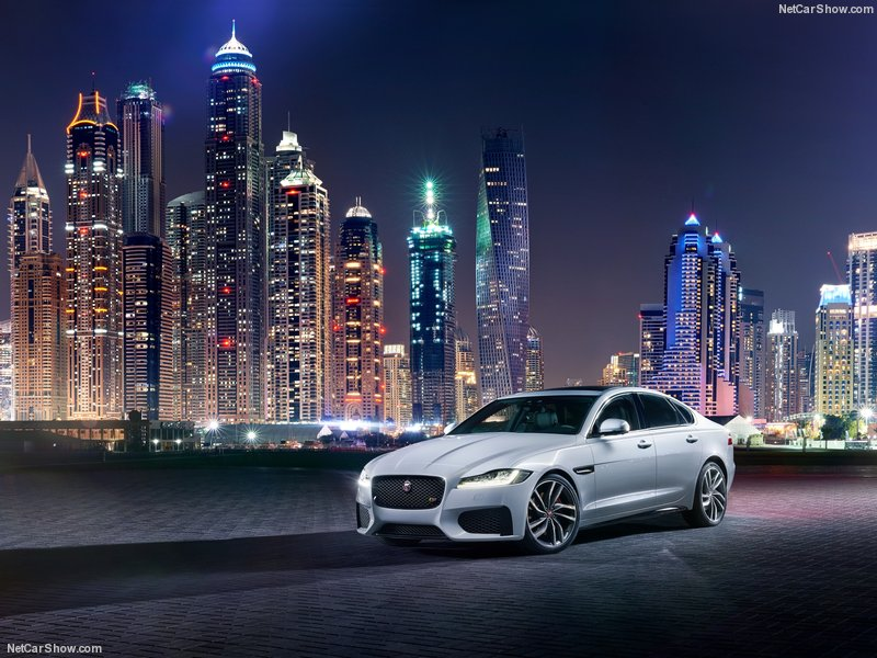 Jaguar-XF_2016_800x600_wallpaper_01