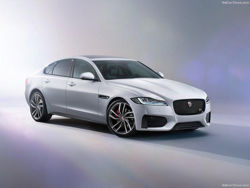 Jaguar-XF_2016_800x600_wallpaper_06