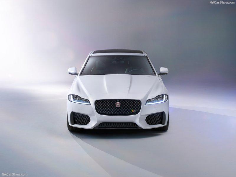 Jaguar-XF_2016_800x600_wallpaper_0a