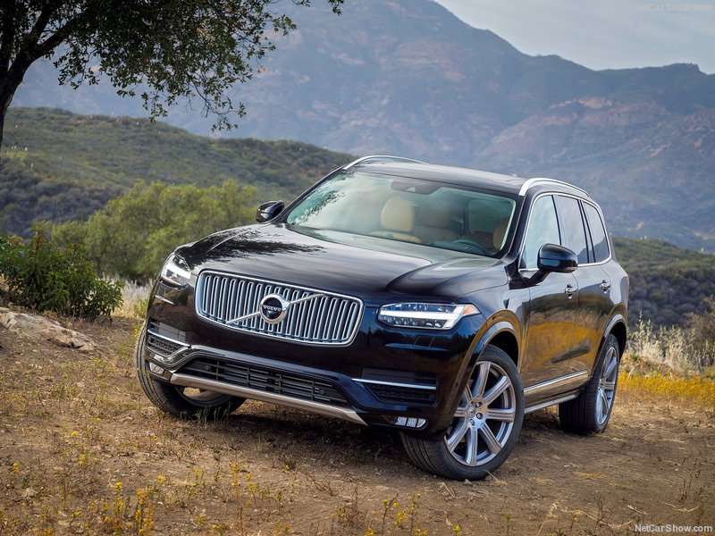 Volvo-XC90_2015_800x600_wallpaper_01