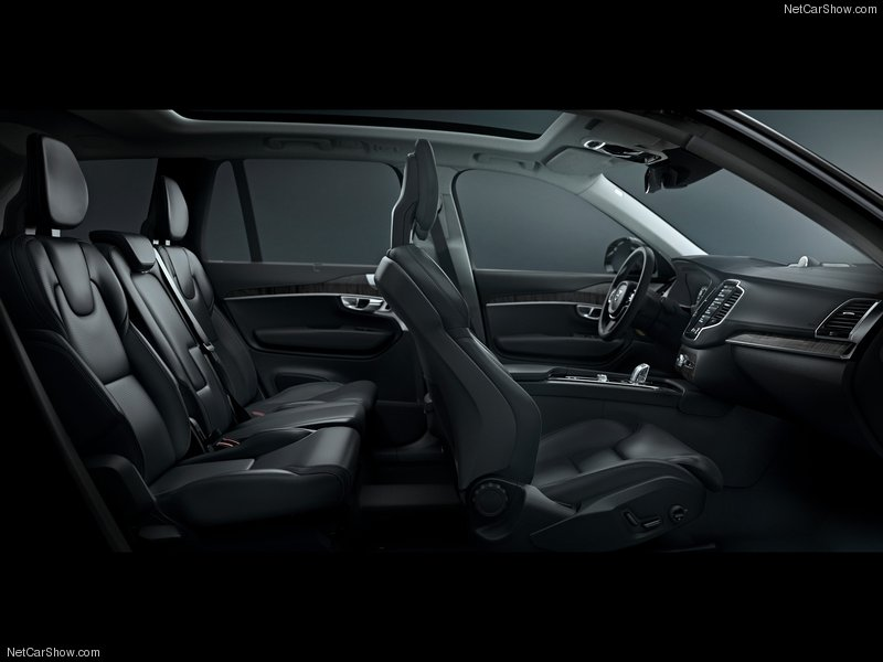 Volvo-XC90_2015_800x600_wallpaper_ad