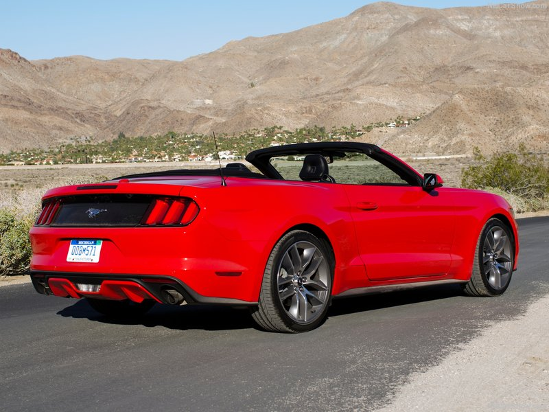 Ford-Mustang_Convertible_2015_800x600_wallpaper_1f