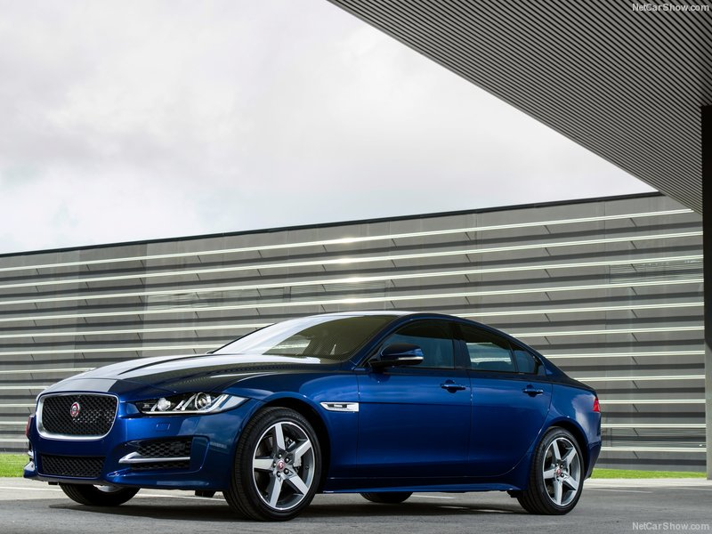 Jaguar-XE_2016_800x600_wallpaper_01