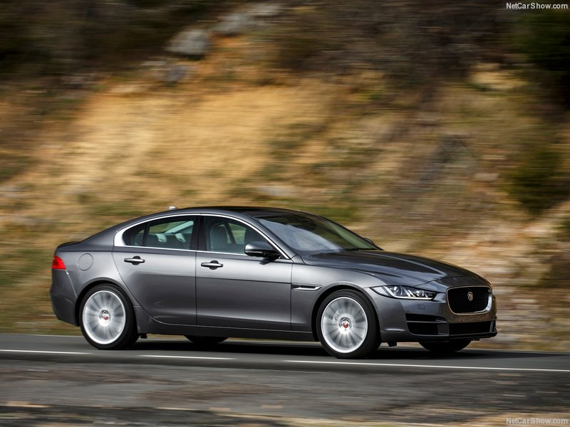 Jaguar-XE_2016_800x600_wallpaper_33