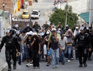 Enfrentamiento entre dos combos de la comuna13 provocó el caos