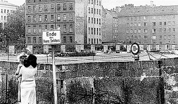 Alemania comunista. Berlin. Archivo fotográfico
