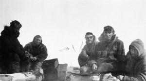 Tomado de http://www.rcinet.ca/es/2013/07/14/100-anos-de-la-primera-expedicion-canadiense-al-artico/