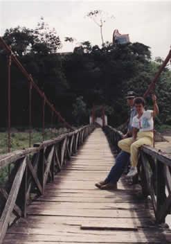Puente sobre el Río Penderisco (Urrao - Antioquia)