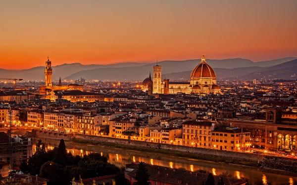 Atardecer en Florencia, Italia. (Imagen propiedad del portal Best Wallpaper)