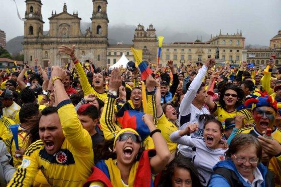 conocer gente colombia c