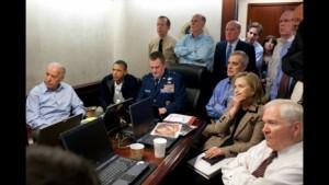 Uno de los más reconocidos cuartos de guerra de Gobierno es el que integran el Presidente de los EEUU con su cúpula militar y la línea de fuego de su gabinete. Foto:  DRA