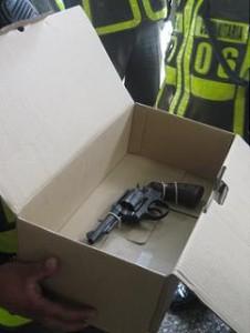 El revólver calibre 38 incautado.
