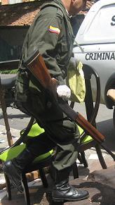 El arma homicida: una escopeta calibre 12 con salvoconducto.