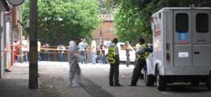 La inspección a la escena del crimen duró más de cuatro horas.