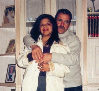 Fabiola Pulgarín junto a Domingo, su esposo y asesino.