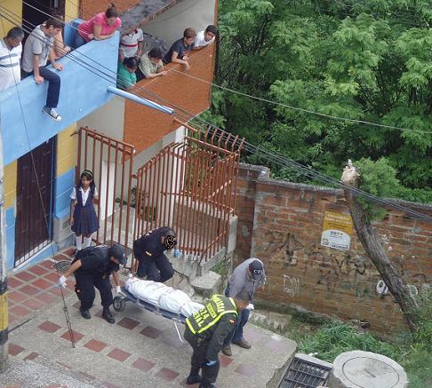 El crimen fue hoy en la carrera 88 con la calle 64, de Robledo Parque.