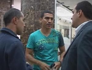 Víctor Aristizábal llegó con su familia a la clínica Medellín.