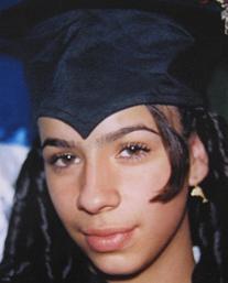 Angie Fernández, de 17 años, estudió dos semestres de Mercadeo y Ventas.