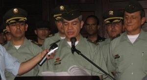 El Inspector de la Policía, general José León Riaño, con la cúpula de la Policía Metropolitana.