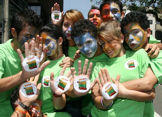 Los niños fueron protagonistas de la marcha en Itagüí. Foto de Juan Antonio Sánchez.