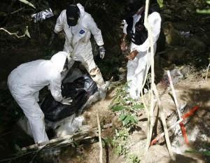 Una nena de 16 años y un joven de 19 fueron apuñalados y enterrados en la vereda Los Gómez, de Itagüí. Los hallaron el 5 de agosto.