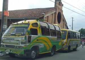 Por miedo, 30 microbuses estuvieron parados tres días.