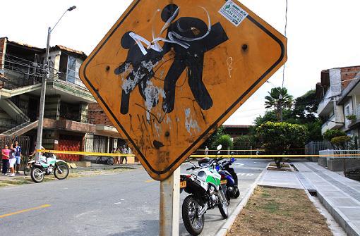 En esta cuadra fueron abaleados los dos estudiantes, en el barrio Santa Rosa de Lima. Foto de Róbinson Sáenz.