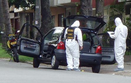 En este carro viajaba la familia atacada en Fátima, donde murieron el papá y el bebé de 22 meses.