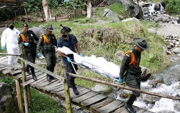 El bosque escogido para el rito queda cerca de la quebrada La Ayurá, por donde extrajeron el cuerpo.