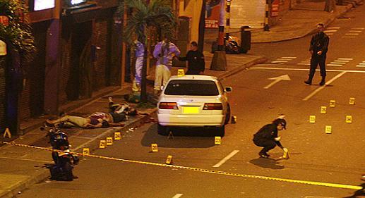 Este fue el escenario de la matanza en Envigado, a una cuadra del parque principal del municipio. Foto de Esteban Vanegas.