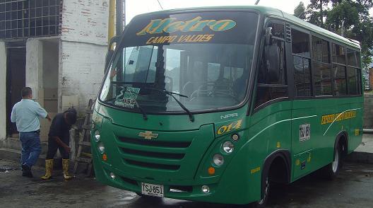 En este bus sucedió la inusual agresión, a la altura del barrio Campo Valdés.