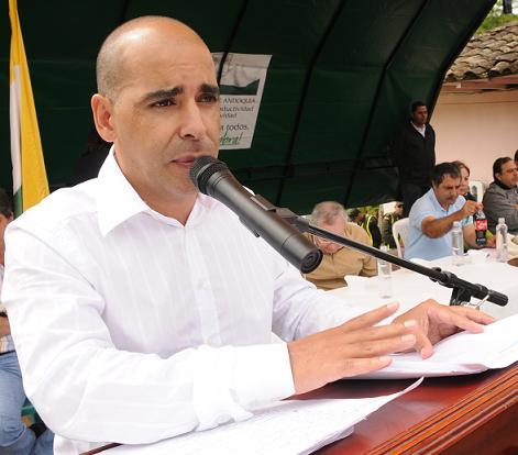 Al alcalde Jaime Sánchez no alcanzaron a robarle la plata. Fue sepultado en Medellín.