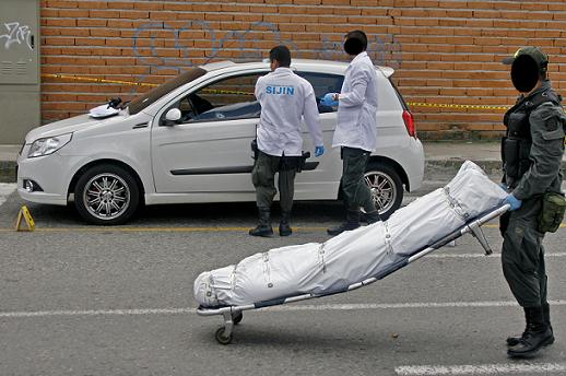 La escena del crimen en la zona industrial de Belén. Foto de Esteban Vanegas.