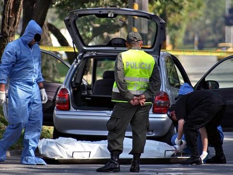 En este carro encontraron a la pareja del extraditado. Foto de Carlos Taborda.