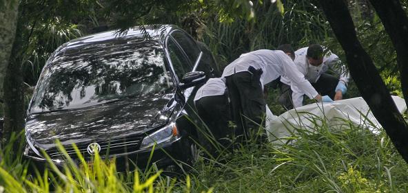En este automóvil Volkswagen se movilizaba el caballista asesinado. Foto de Esteban Vanegas.