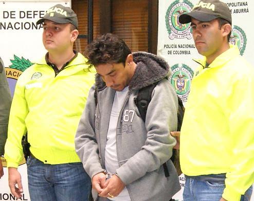 Así presentaron hoy a 'Chaparro' en la rueda de prensa con los medios. Foto cortesía de la Policía.