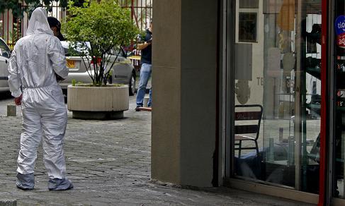 Tres sicarios participaron en el asesinato de 'Pechón', quien fue sorprendido cuando consumía en una tienda cercana a su apartamento en El Estadio.