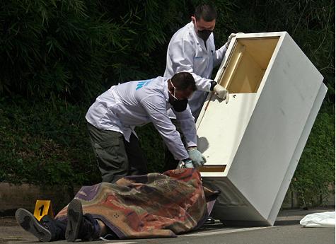 Esta es la alacena en la cual metieron el cadáver tiroteado. Foto de Carlos Taborda.