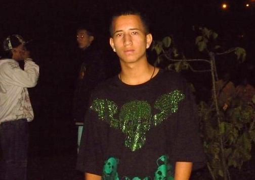 Luis Flórez vivía en el sector La Torre, de la Comuna 13, y salió de su casa a reclamar unas pistas musicales, cuando lo atacaron. Foto de cortesía.