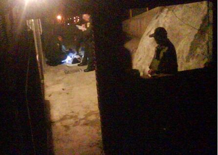 En este callejón de La Independencia III falleció la niña de 13 años, una de las dos contra quienes se dirigía el ataque. Foto de cortesía.